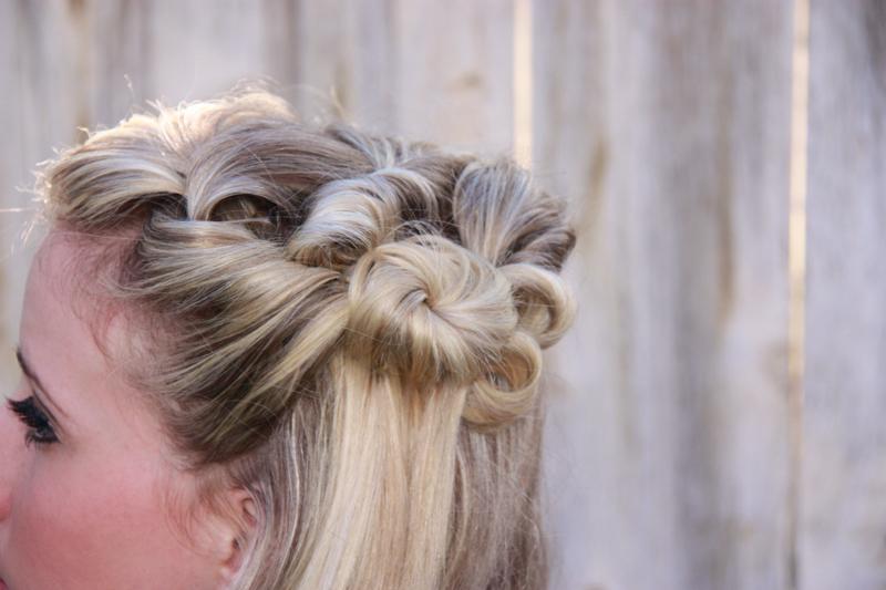 Twist Me Pretty's vintage hairstyle tutorial