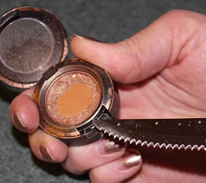 How to depot MAC makeup