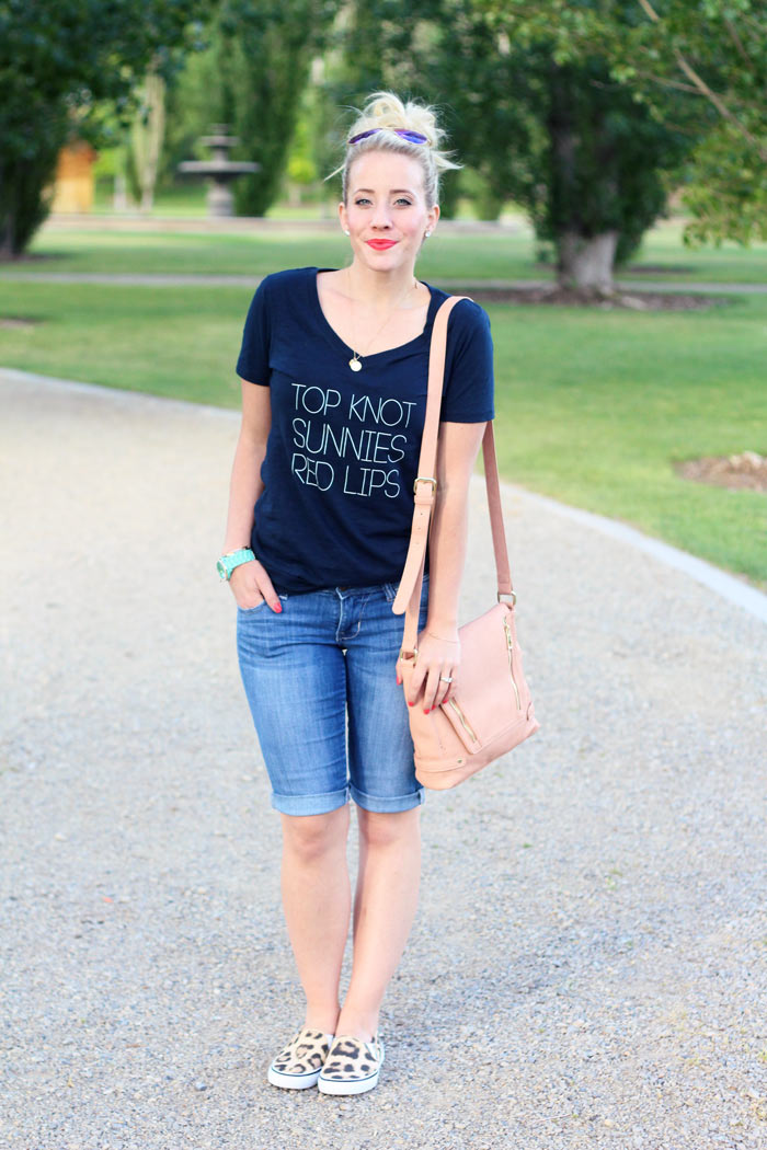 5 Ways To Spice Up A T Shirt And Jeans Twist Me Pretty