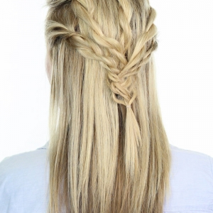 Twisted Pull Back | Hairstyles from Reign