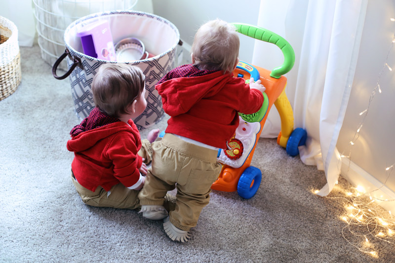Adorable twins playing. Twist Me Pretty. 5 ways to self-love