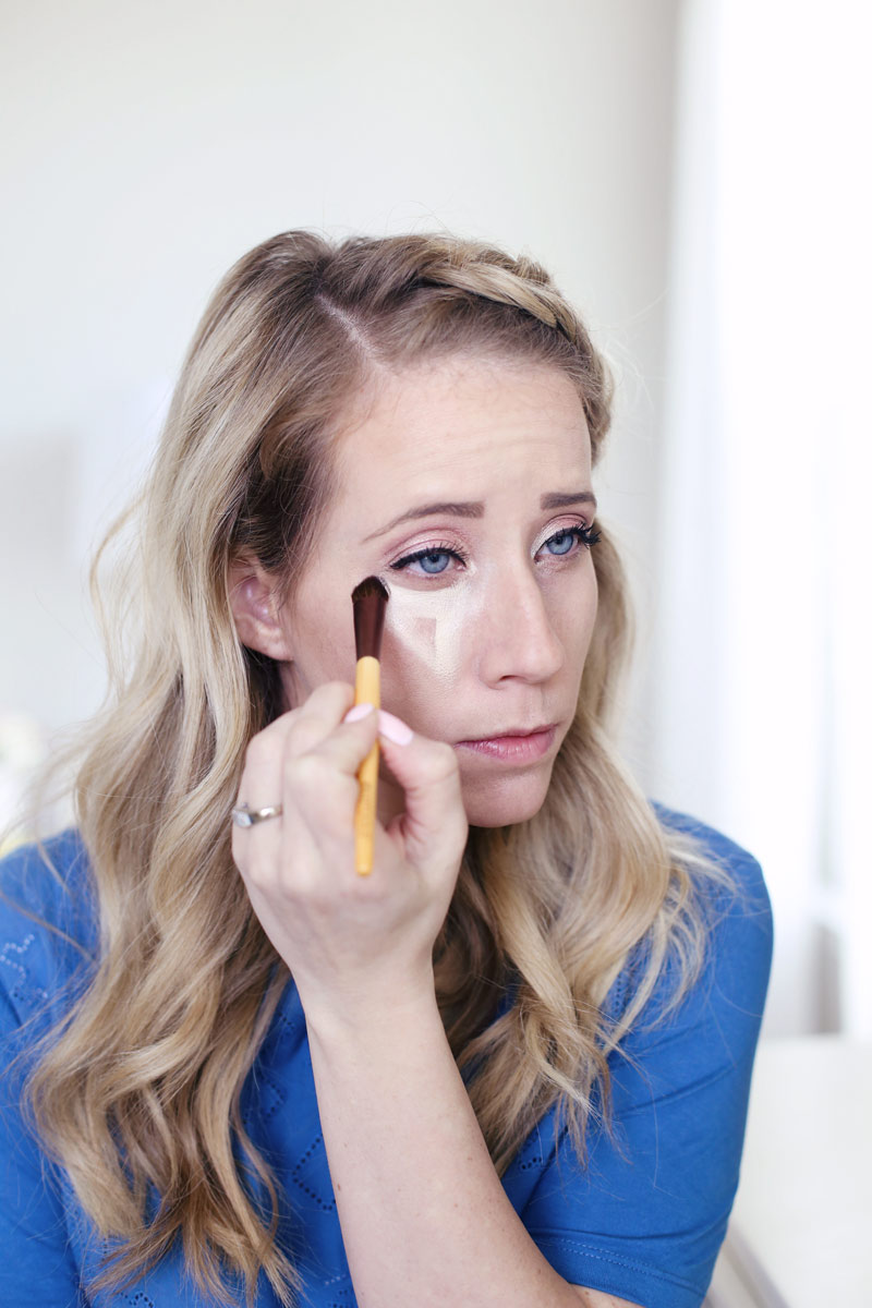 Use concealer to highlight your face