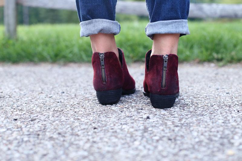 A woman's feet, showing off her shoes. Enjoy Motherhood. Twist Me Pretty.