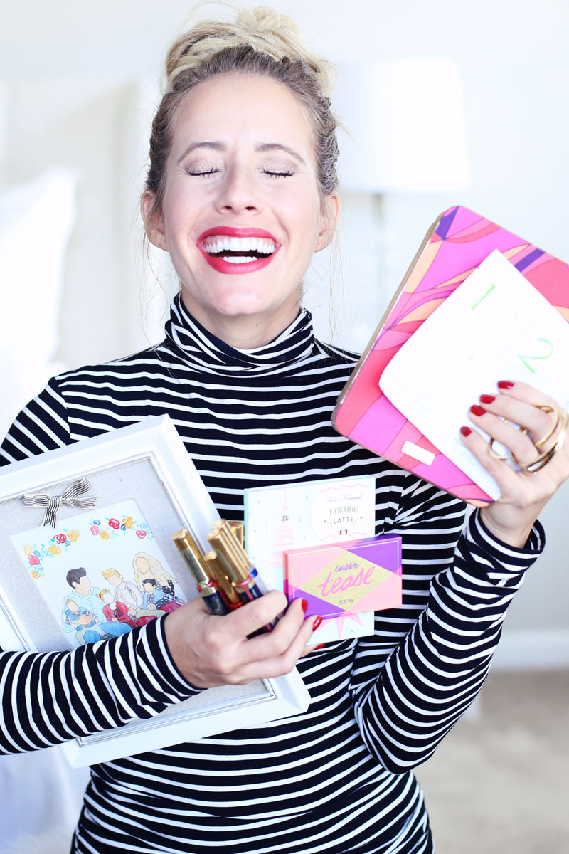 Holiday favorites galore! Abby's 2016 gift guide. Twist Me Pretty.