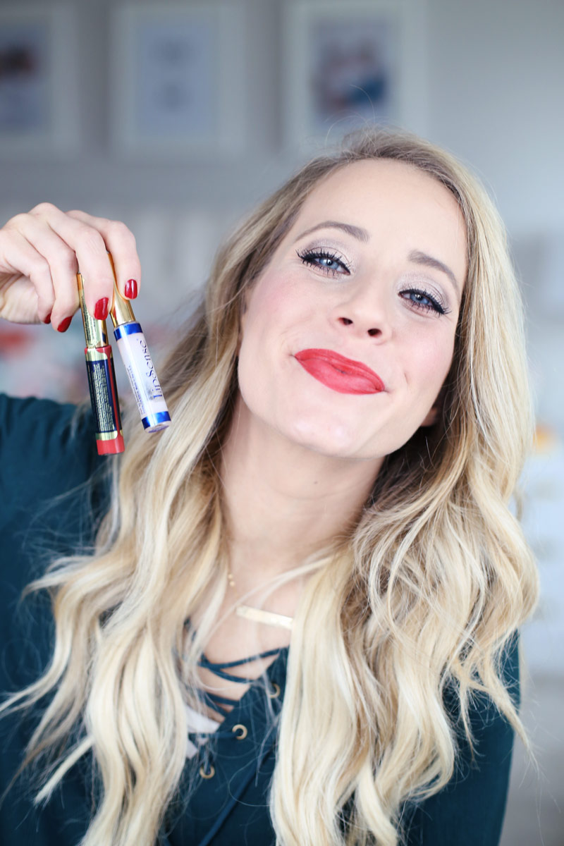 Twist Me Pretty's Abby shows off LipSense Coral Reef worn with Matte Gloss. Learn how to apply LipSense, and buy it, from twistmepretty.com
