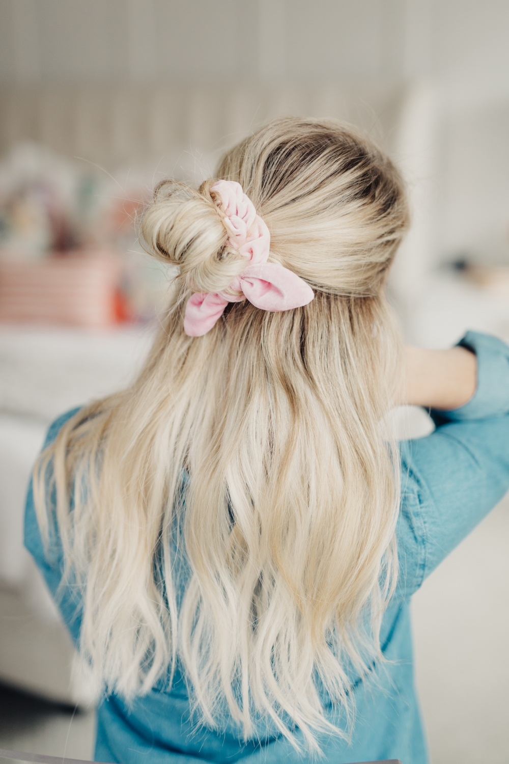 8 Ways to Wear a Scrunchie! - Twist Me Pretty
