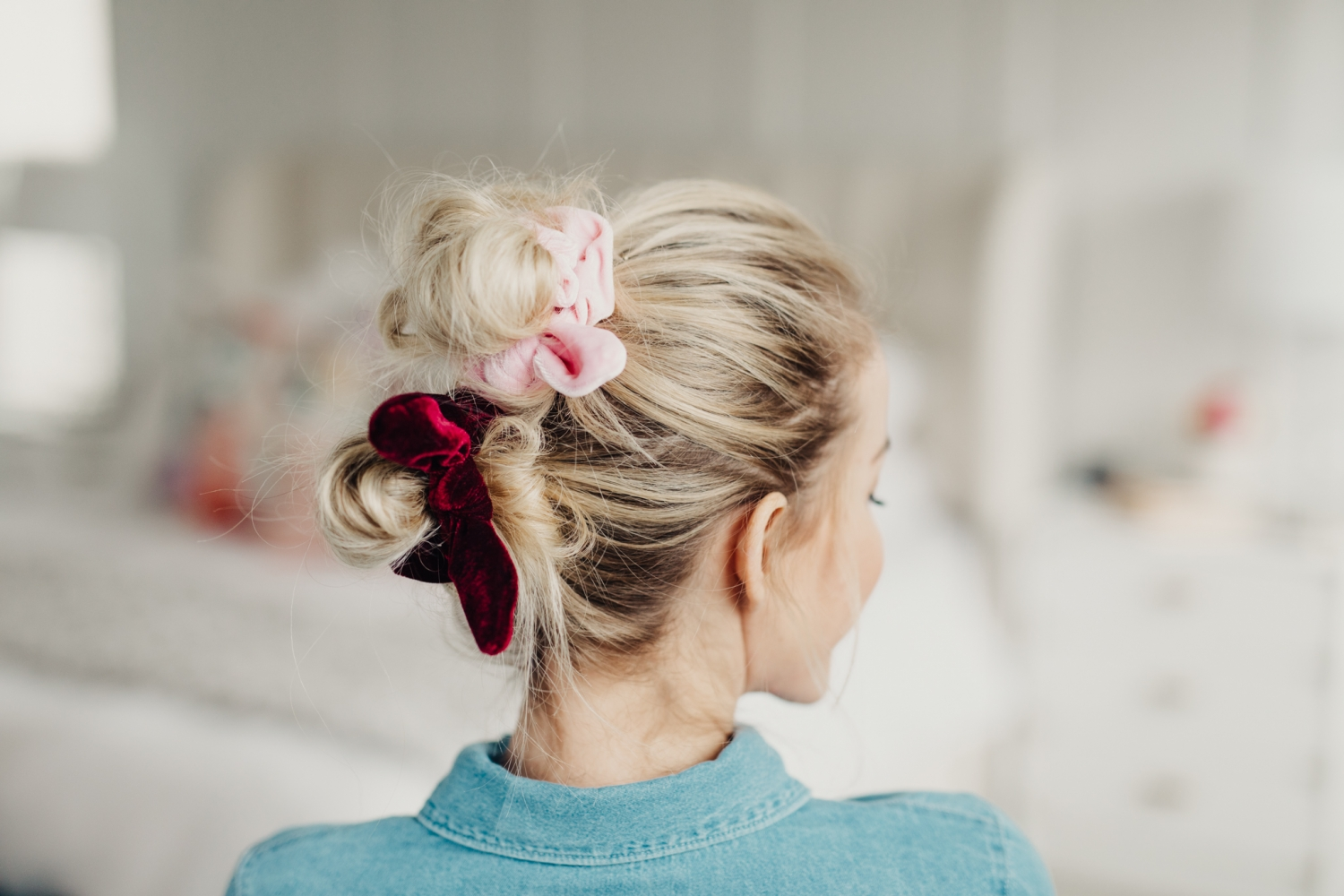 Scrunchie Hair Styles: 8 Ways To Wear A Scrunchie!