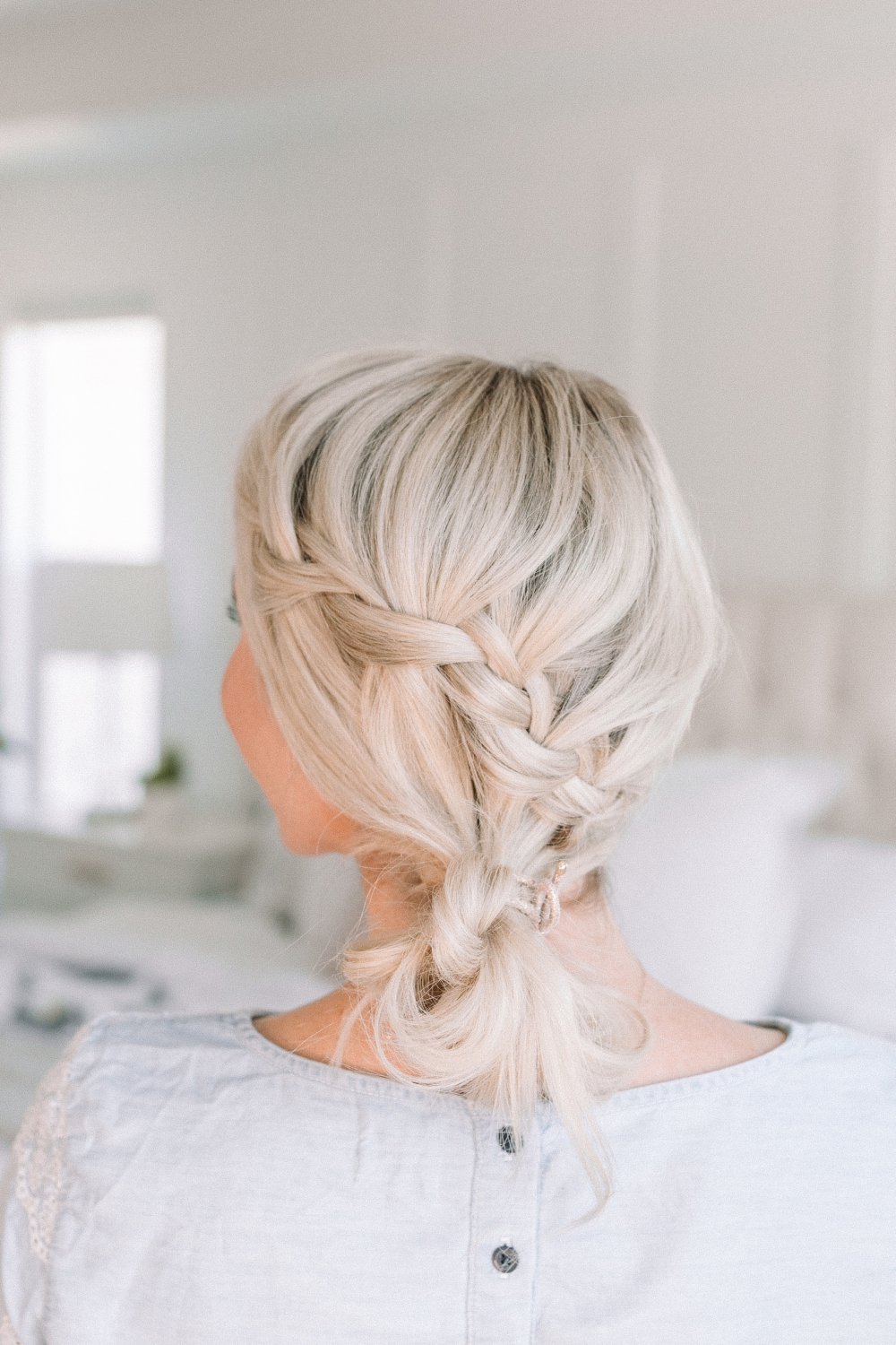 This darling hairstyle is perfect for summer from Twistmepretty.com