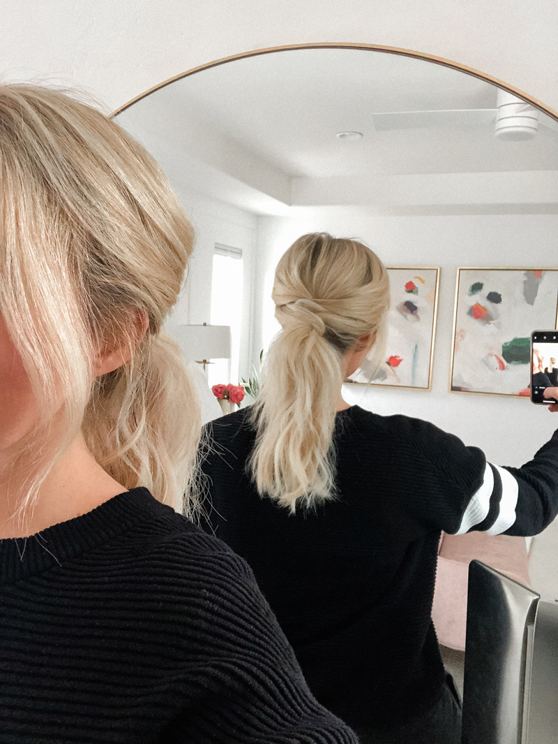 Criss cross ponytail is such a fun way to dress up a ponytail. Love this quick and easy hairstyle from Twistmepretty.com