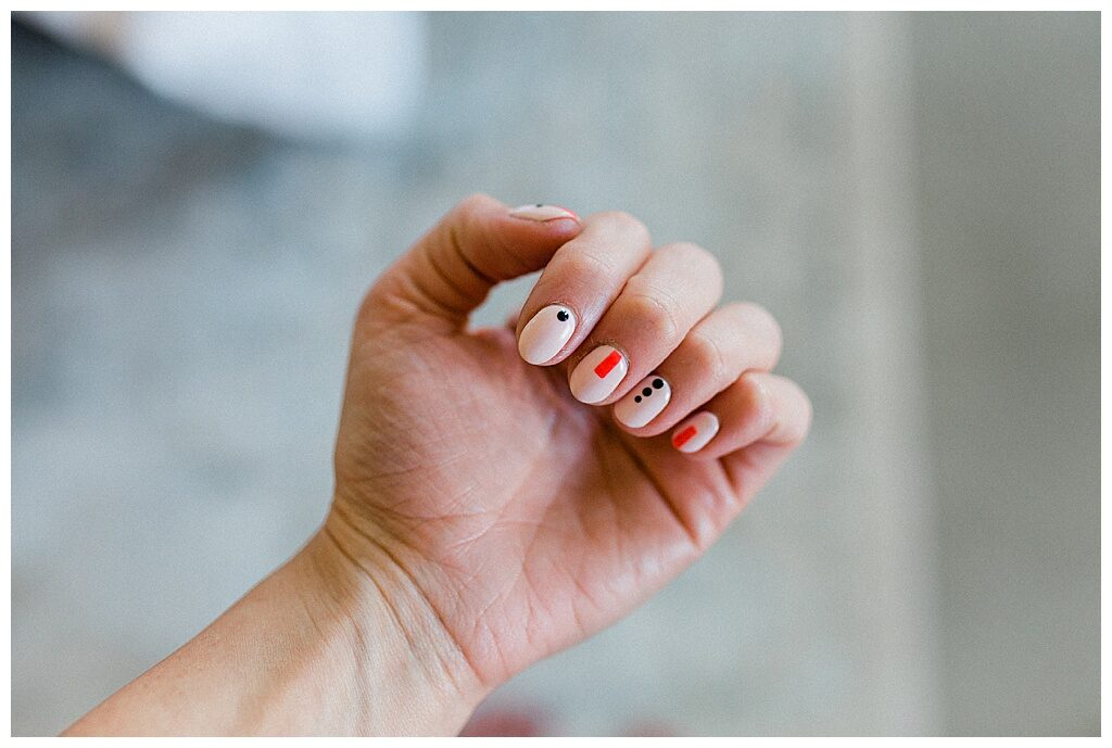 If you are looking for an easy DIY nail art tutorial this is the post for you from Twistmepretty.com