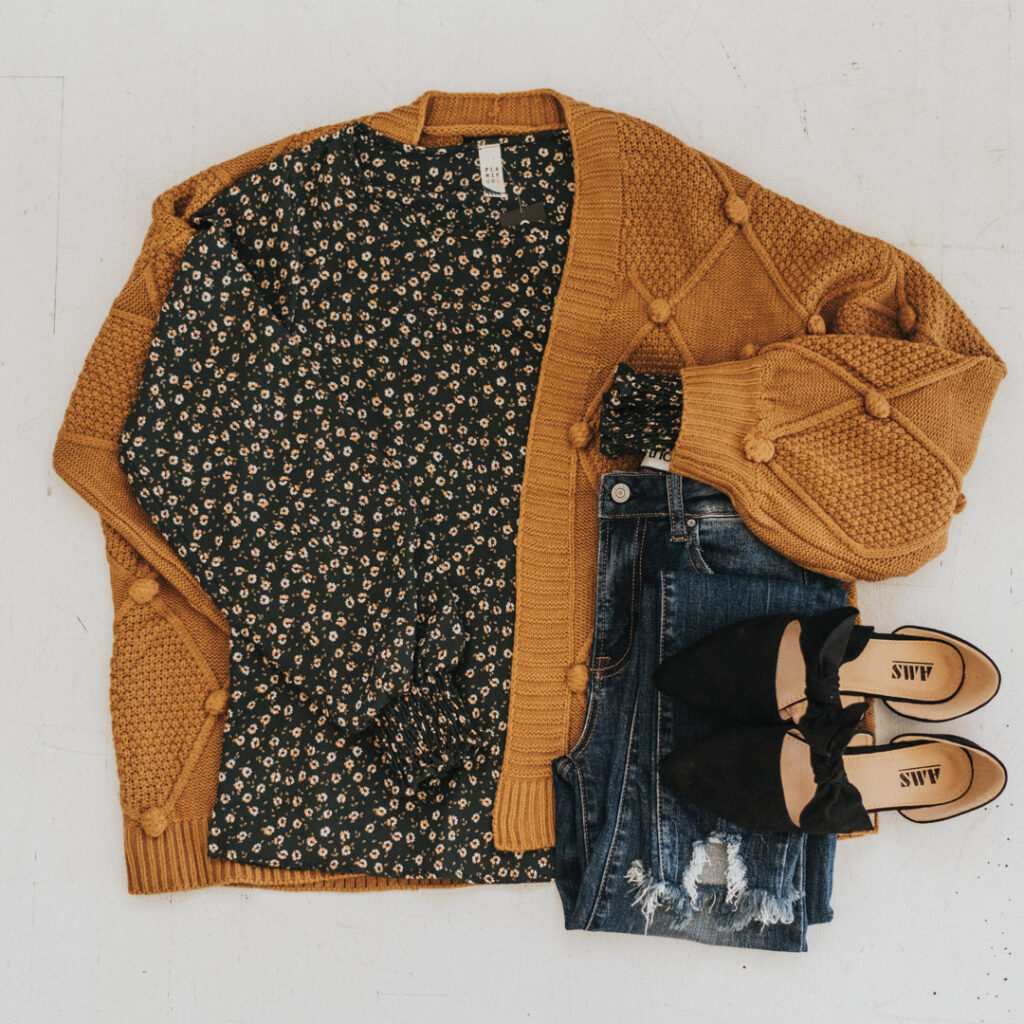 Sweaters with beautiful colors perfect for Fall!