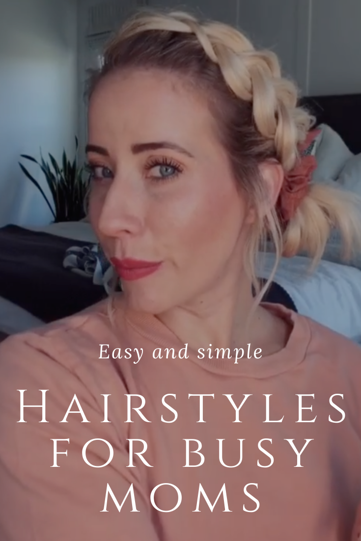 My favorite hairstyle for busy mornings. A simple and quick perfect for an easy mom hairstyle!