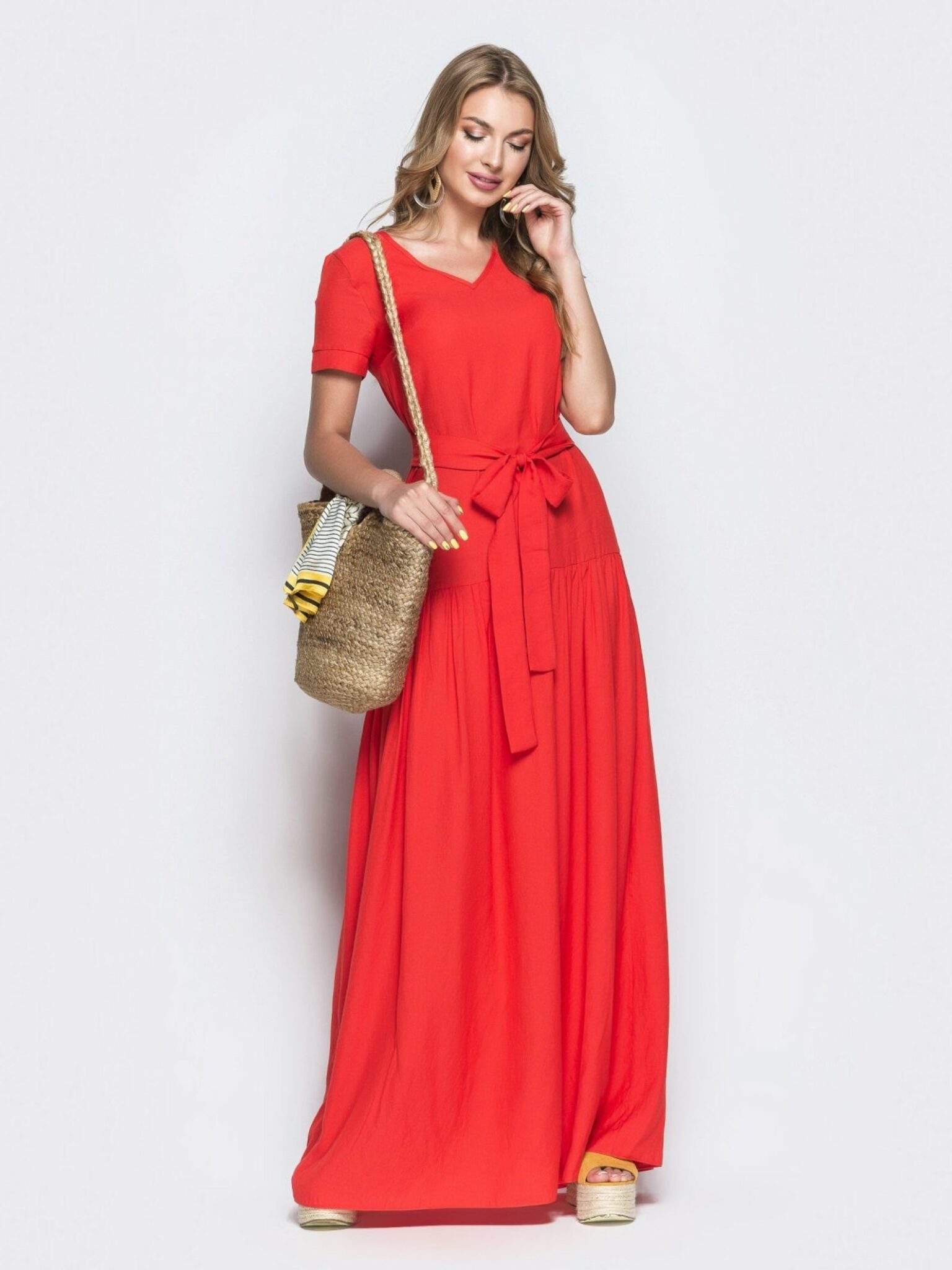 LOVE this red dress! Beautiful color and so flattering! Perfect for beach and summer.