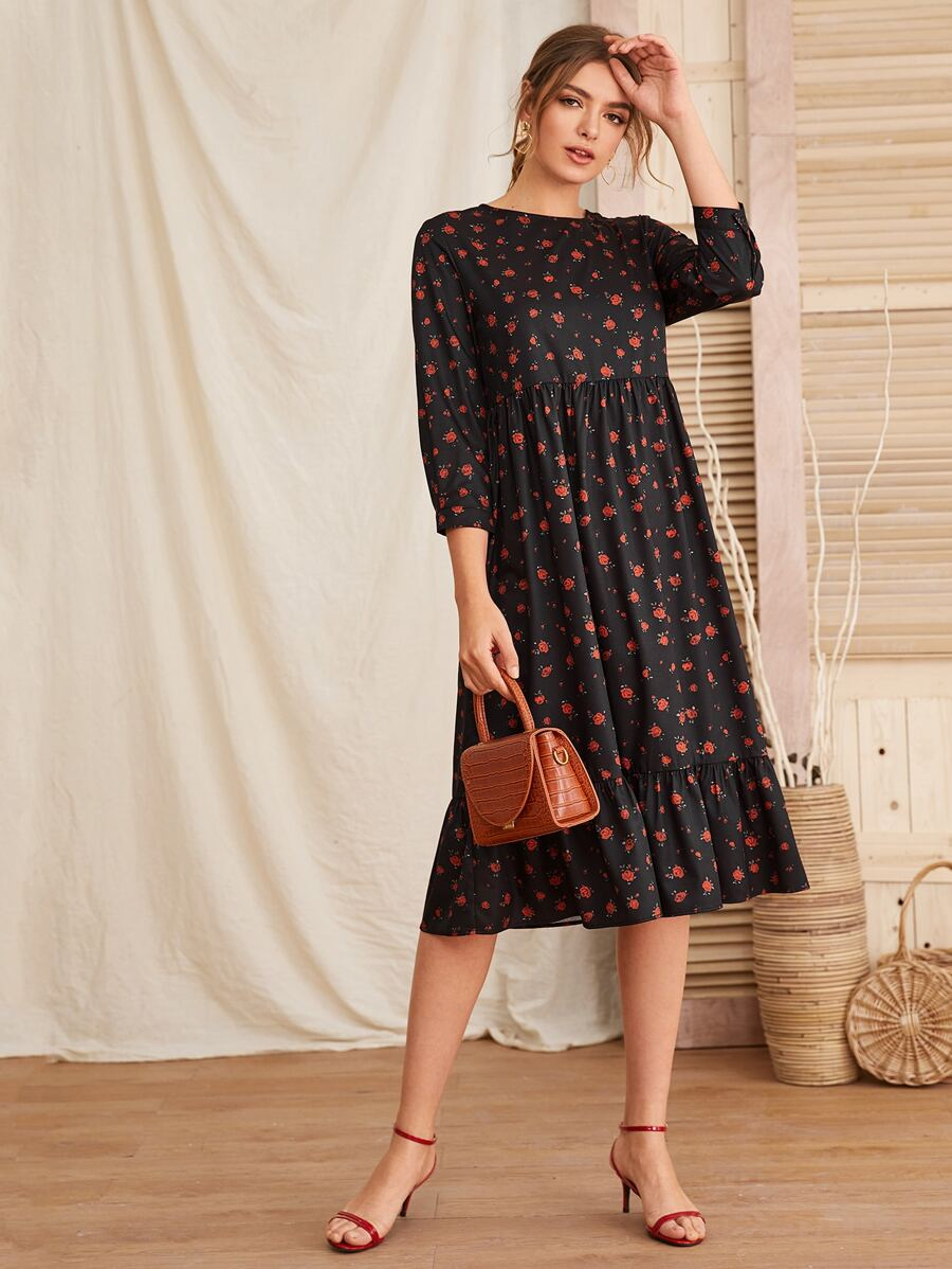 Dark dress with floral design is perfect for every season and so many holidays!