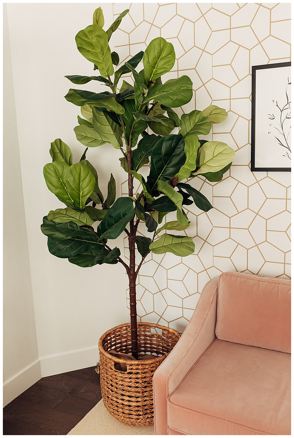 Beautiful artificial fiddle fig that looks so real!