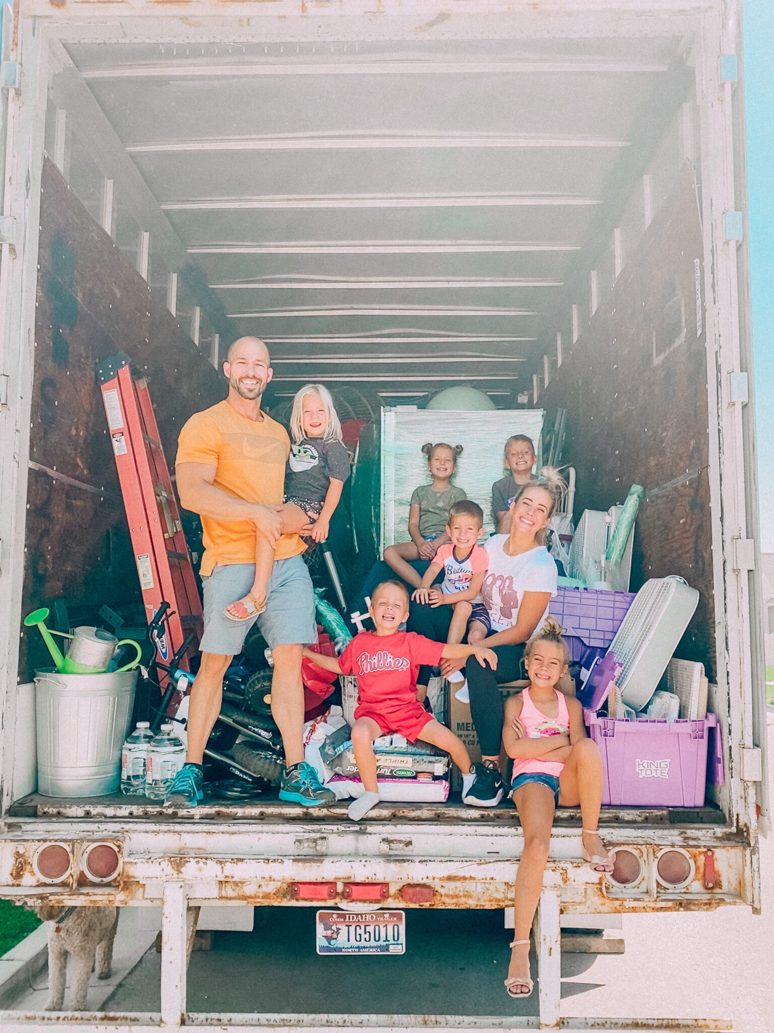 Moving a large family can be crazy! Here's my tips and tricks. www.twistmepretty.com
