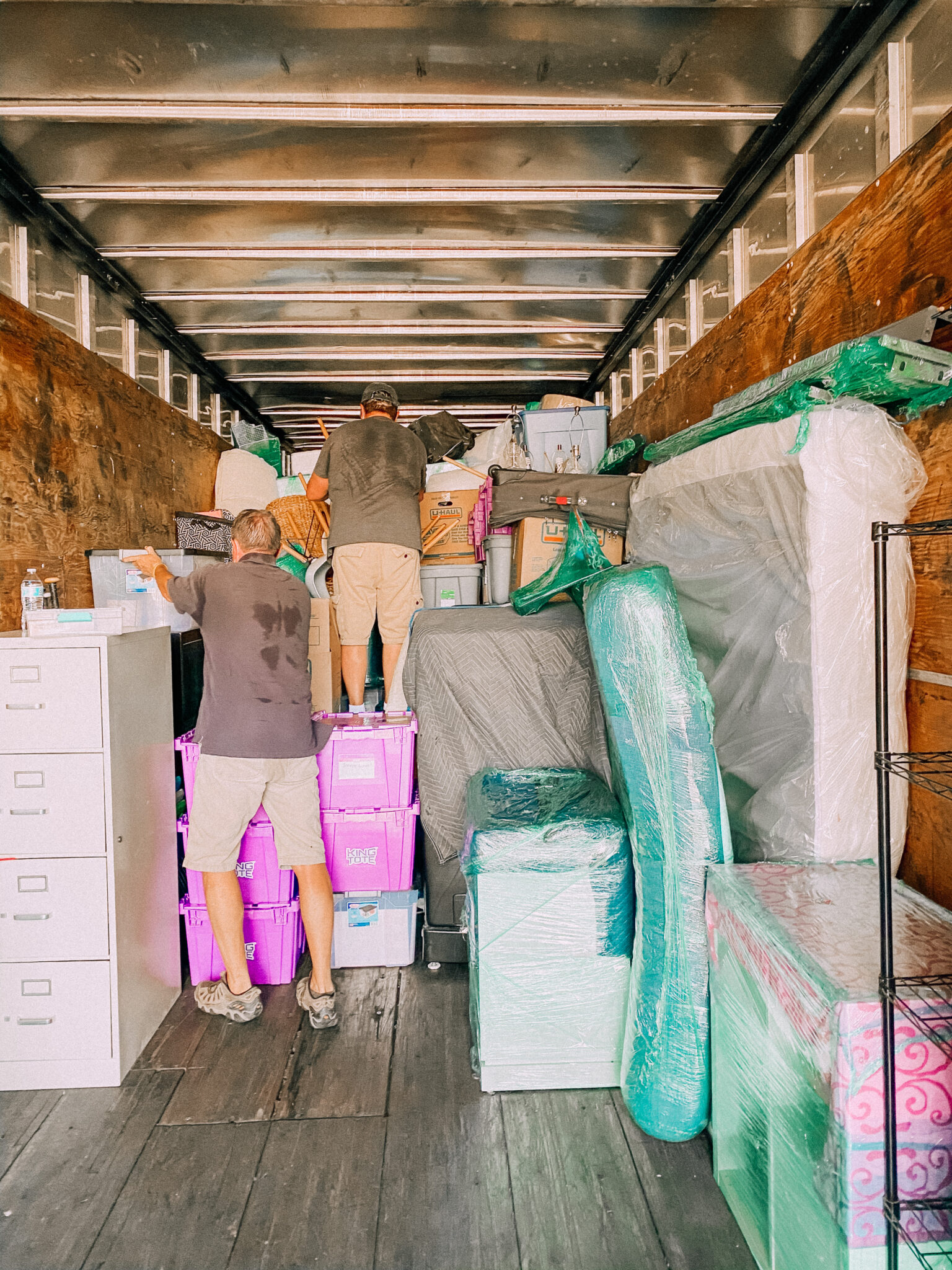 Always ask for help when trying to move your family. www.twistmepretty.com