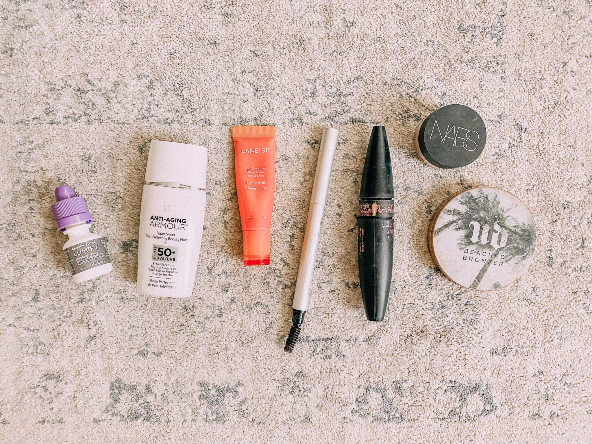 My go-to makeup products I wear when working out! www.twistmepretty.com