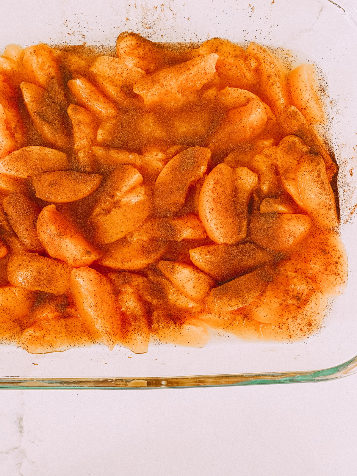 Cinnamon is the secret ingredient for my easy peach cobbler recipe. www.twistmepretty.com