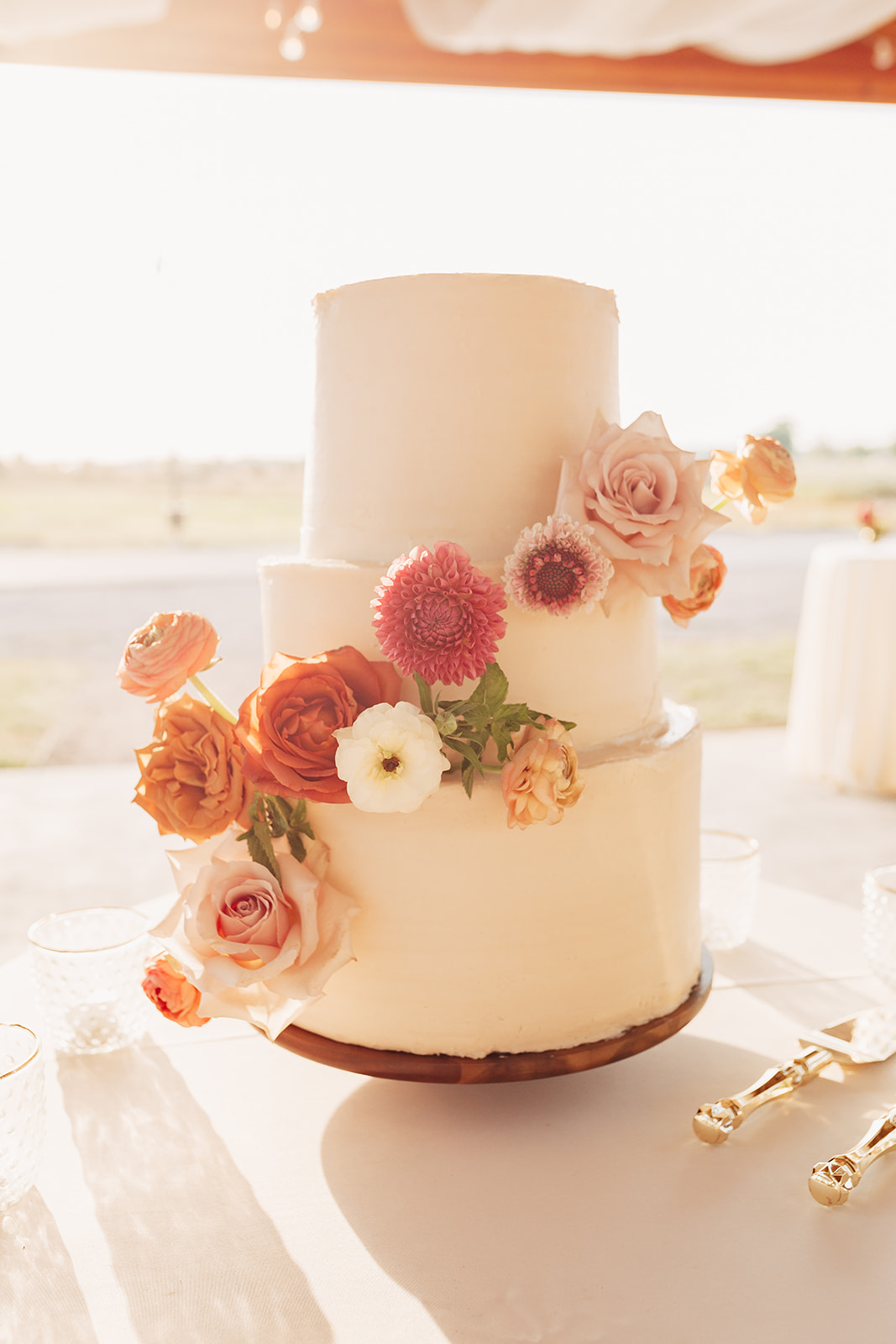 Our wedding cake was so delicious! www.twistmepretty.com