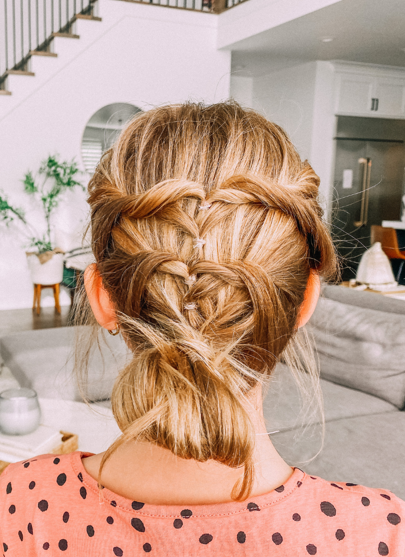 Savy's sweetheart updo is easy for anyone to do www.twistmepretty.com