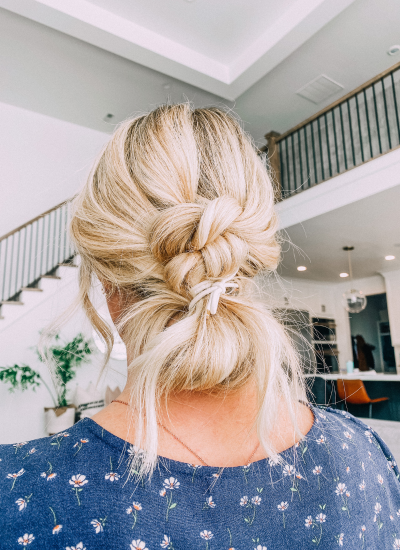 This easy double knot updo with a bun is so cute! www.twistmepretty.com