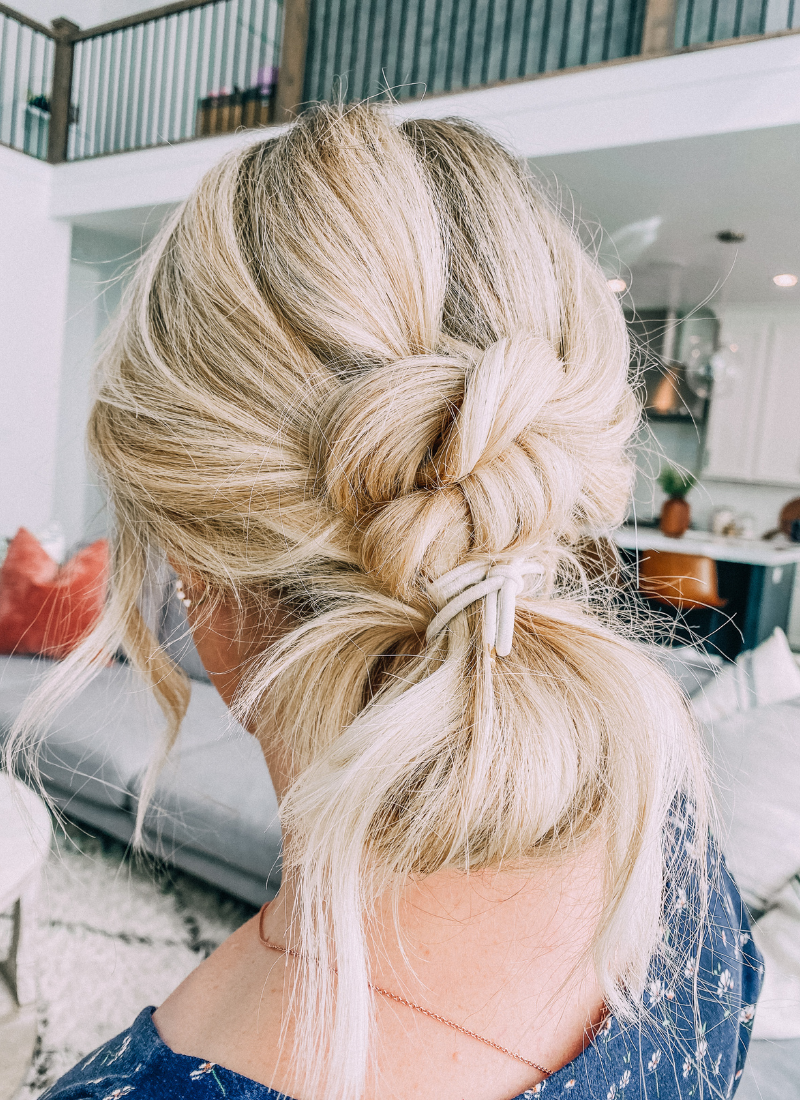 The easy knotted bun hairstyle is a gorgeous updo. www.twistmepretty.com