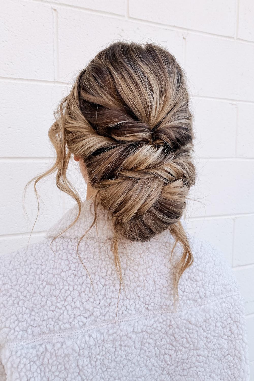 cómo peinar el cabello de tu boda twistmepretty.com