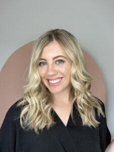 how to get beautiful curls in 5 minutes. www.twistmepretty.com