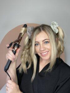 La mejor manera de rizar el cabello de longitud media.  www.twistmepretty.com