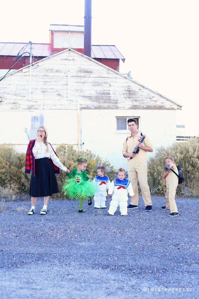 best ideas for family halloween costumes. www.twistmepretty.com