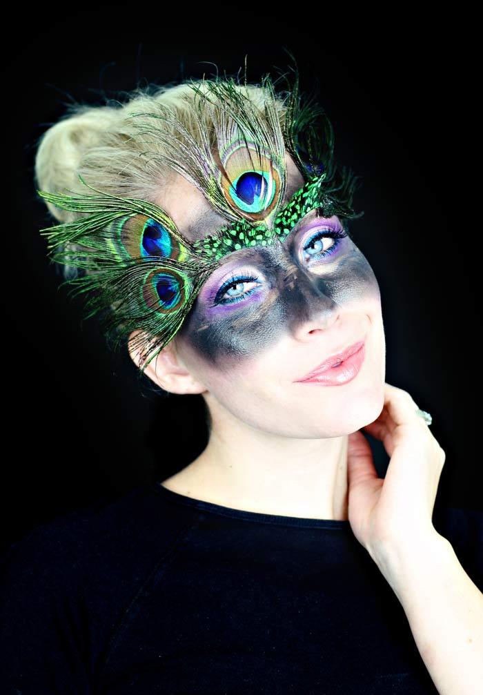 tutorial de maquillaje de pavo real rápido y fácil.  www.twistmepretty.com