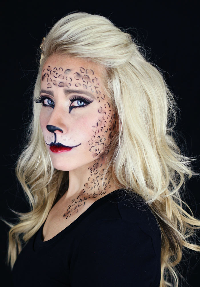 ideas fáciles de maquillaje de halloween.  www.twistmepretty.com
