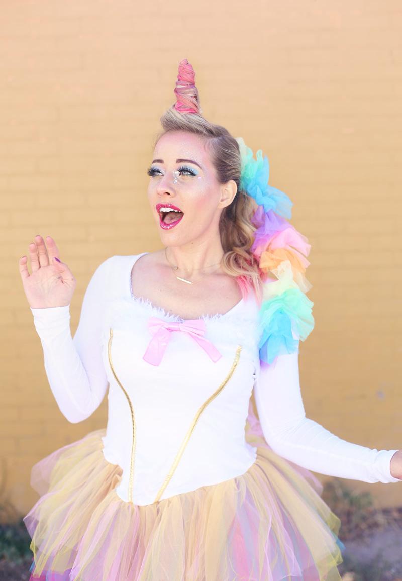 maquillaje de unicornio que cualquiera puede hacer.  www.twistmepretty.com